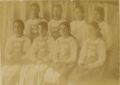 1914 - Primeiras Alunas Internas